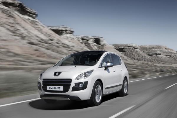 Peugeot 3008, en movimiento por la carretera