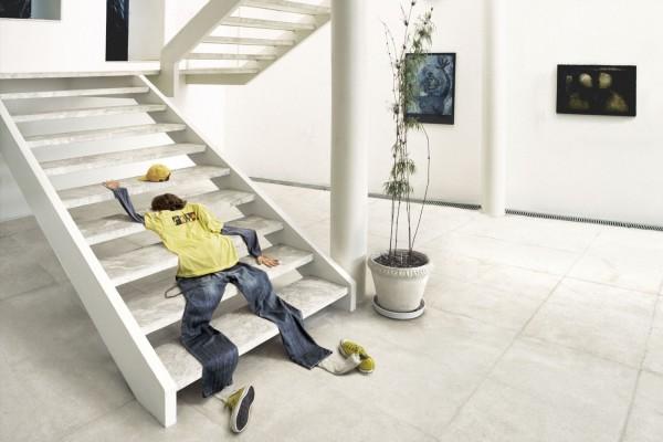 Desinflado en la escalera