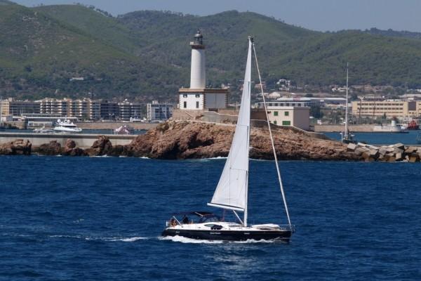 Faro en el puerto de Ibiza