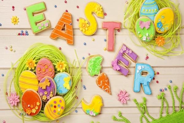 Dulces coloridos para el Día de Pascua