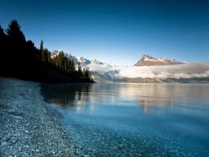 Postal: Las piedras del lago