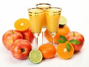Postal: Copas con zumo de frutas