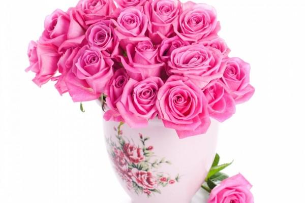 Ramo de rosas en un jarrón