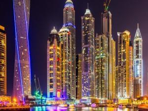 Postal: La noche en Dubai