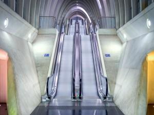 Postal: Escaleras mecánicas
