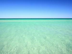 Mar de agua clara