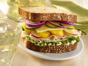 Postal: Sándwich con un rico pan