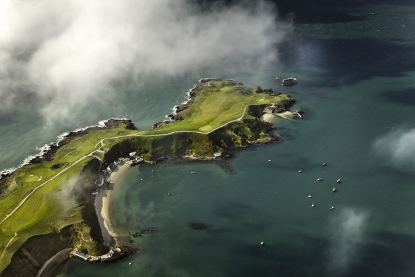 Vista aérea del campo de golf en Nefyn (Reino Unido)
