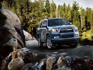 Postal: Toyota Land Cruiser, en la montaña