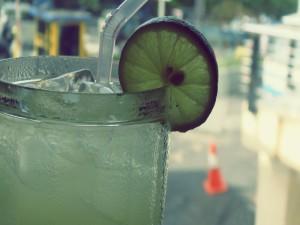 Postal: Bebida refrescante de limón
