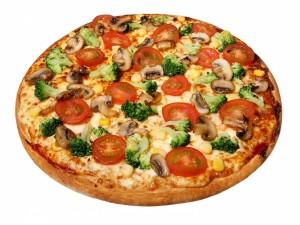 Postal: Pizza con brócoli y otros vegetales