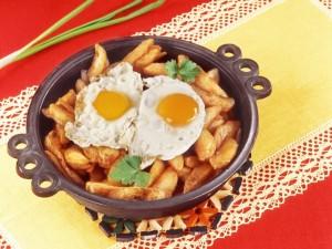 Postal: Sartén de huevos con patatas