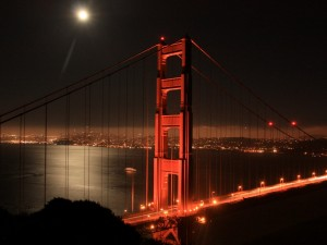 Postal: El puente y la luna