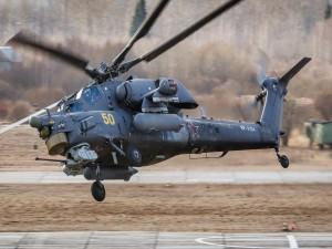 El helicóptero ruso Mi-28 despegando