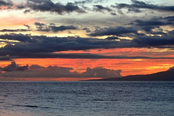 El cielo al atardecer y el mar