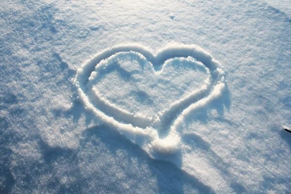 Corazón en la nieve