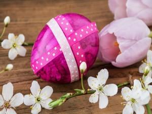 Postal: Huevo para regalar, el Día de Pascua