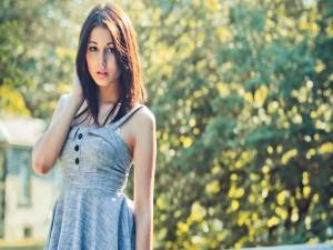 Modelo con un vestido de verano