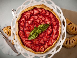 Tarta de hojaldre y fresas