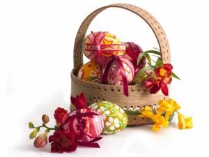 Hermosa cesta, para el día festivo de Pascua