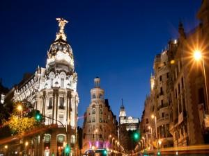 Edificios de Madrid, al anochecer