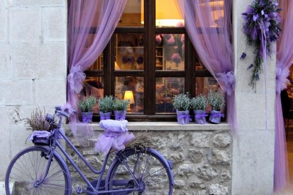 Bicicleta color púrpura