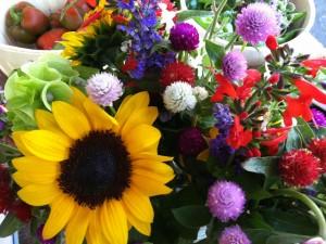 Ramo con girasoles y otras flores