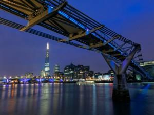 Postal: El puente del Milenio (Londres)