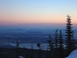Postal: Contemplando el paisaje, al anochecer