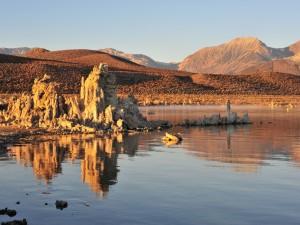Postal: Rocas, agua y montañas