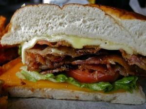 Sándwich de beicon y queso