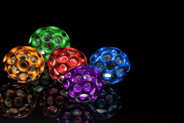 Esferas de cinco colores