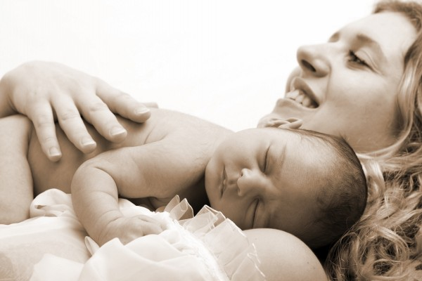 Durmiendo en los brazos de mamá