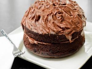 Pastel de chocolate y nata