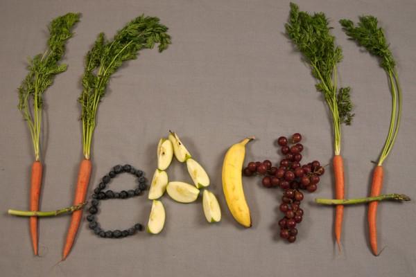 Salud, con vegetales y frutas