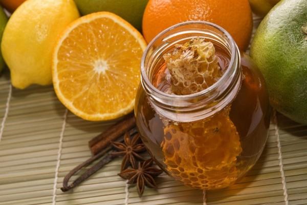 Miel y frutas