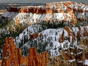 Nieve en las rocas