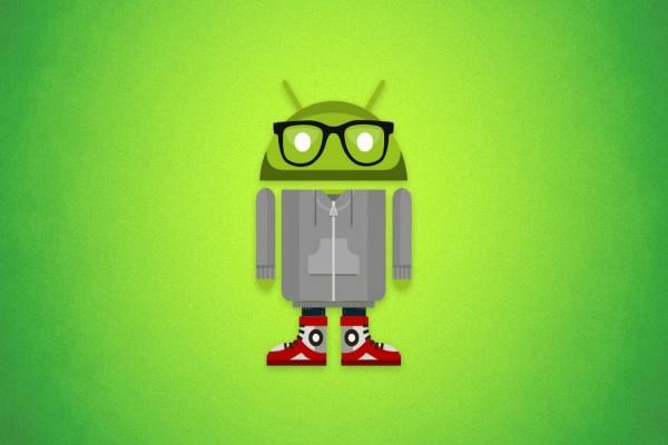Robot Android con gafas