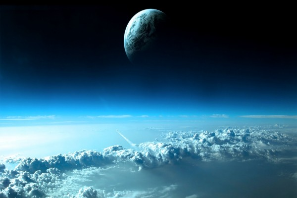 Planeta sobre las nubes