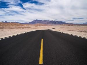 Postal: Carretera en el Valle de la Muerte