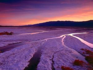 Atardecer en los llanos de sal (Valle de la Muerte)