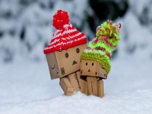 Danbo jugando en la nieve