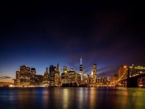Postal: Noche apacible en la ciudad