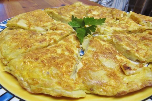 Tortilla de patatas con perejil