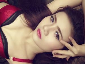Postal: Los ojos de una bella mujer