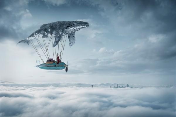Ballena dirigible en el cielo