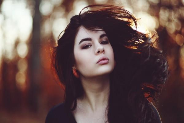 Con el pelo al viento
