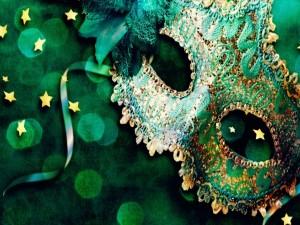 Máscara de carnaval, con un moño verde