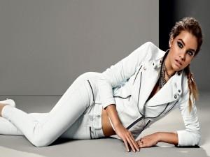 Postal: Barbara Palvin, modelo