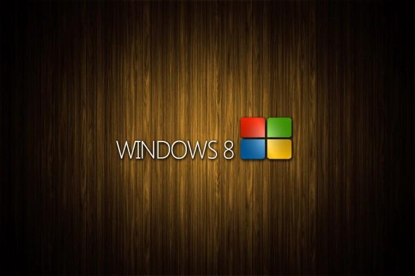 Windows 8 con fondo de madera